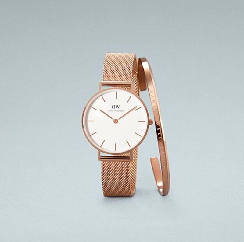 นาฬิกาแบรนด์เนม