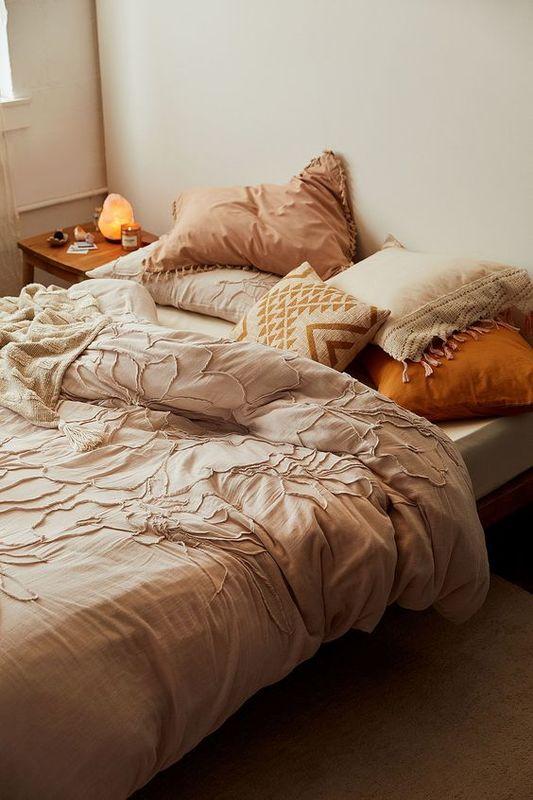 แต่งห้องนอน สีน้ำตาล