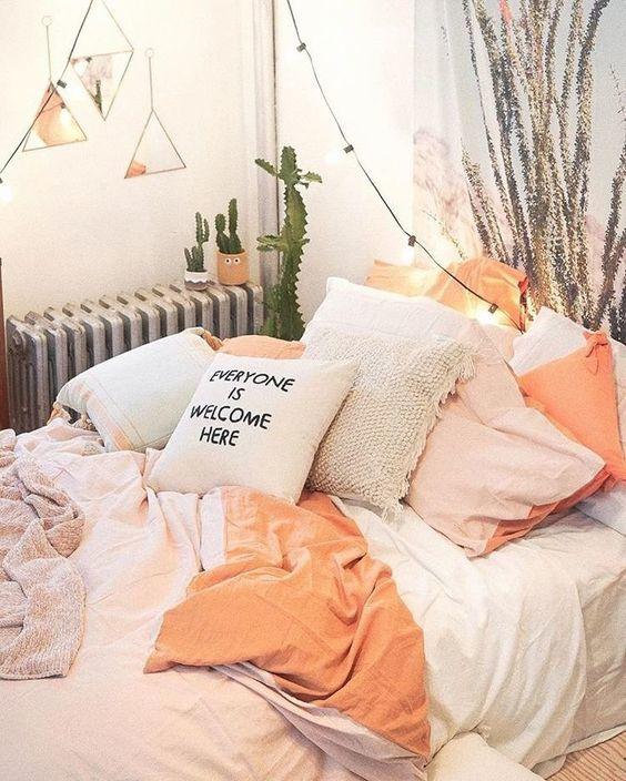 แต่งห้องนอนสีส้มพีช