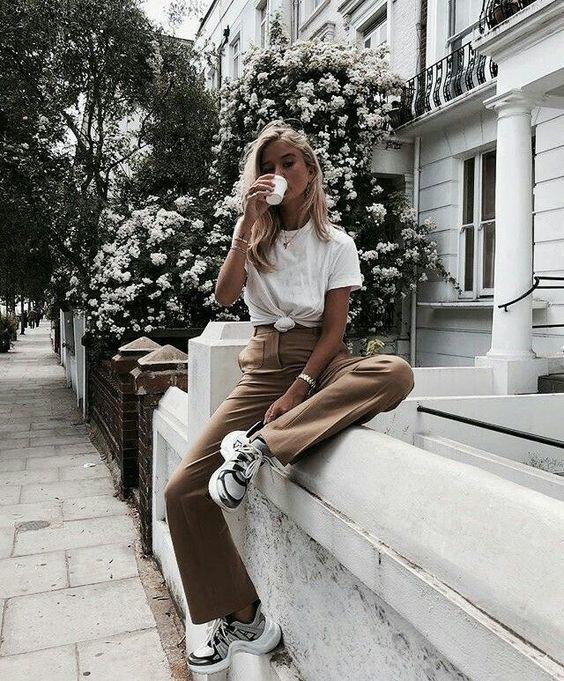 นั่งถ่ายรูปยังไงให้สวย