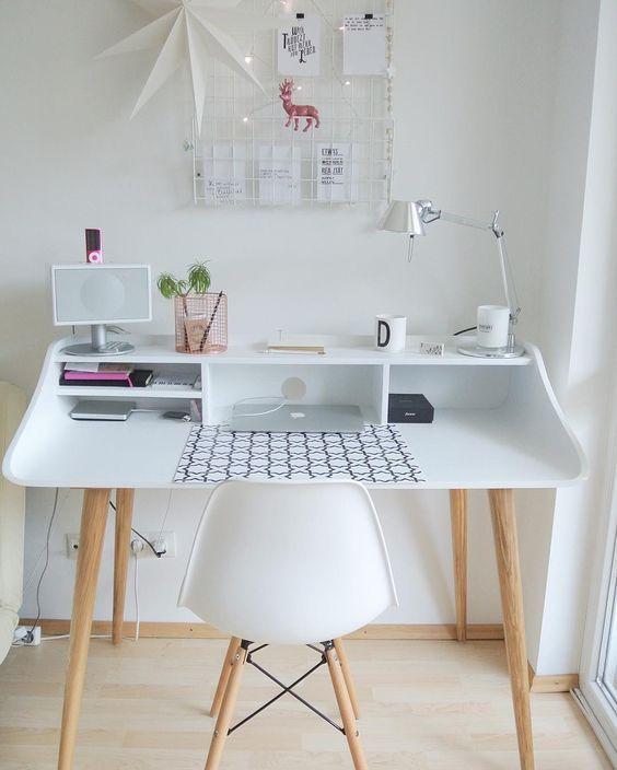 จัดโต๊ะทำงาน