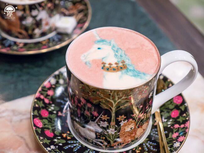 Sretsis-parlour-cafe