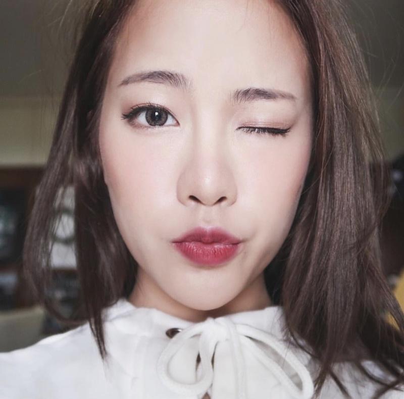 Glow-eyes-makeup