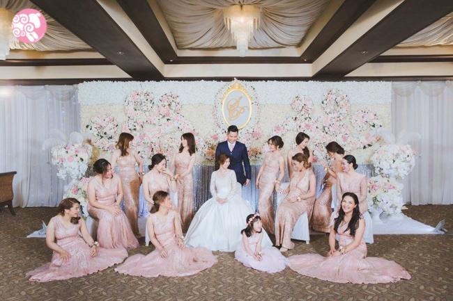 ชุดราตรี ชุดออกงาน ร้านเช่าชุดราตรี เพื่อนเจ้าสาว แต่งงาน