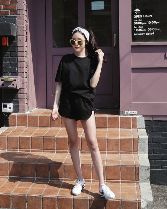 black Korean fashion